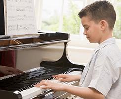 kids piano lesson