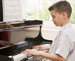 kids piano lesson