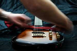 maintaining guitar strings