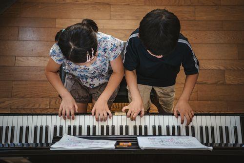 sibling suzuki studio