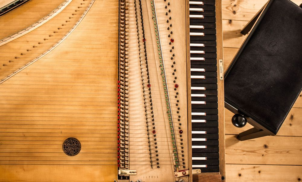 harpsichord inside